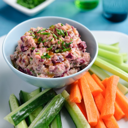 Beetroot and butter bean hummus