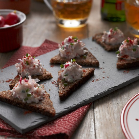 radish and soft cheese canapés recipe